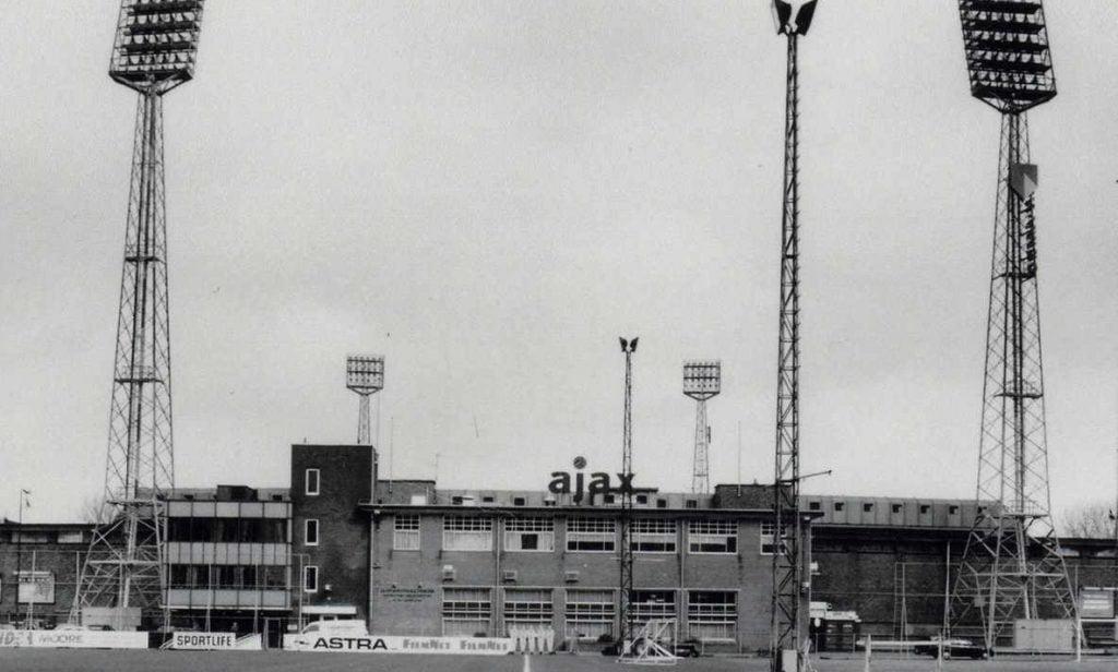 De meeste Ajax-supporters kijken met weemoed naar Stadion De Meer