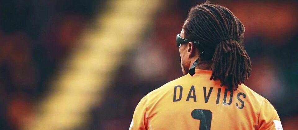 Edgar Davids staat met zijn nummer 1 tussen de meest opmerkelijke rugnummers