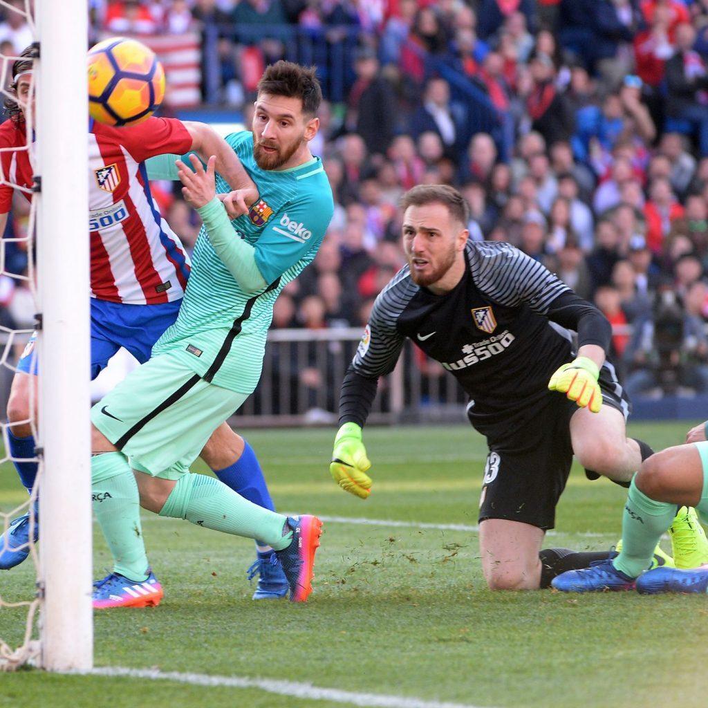 Lionel Messi staat in Spanje op eenzame hoogte wat betreft zijn salaris