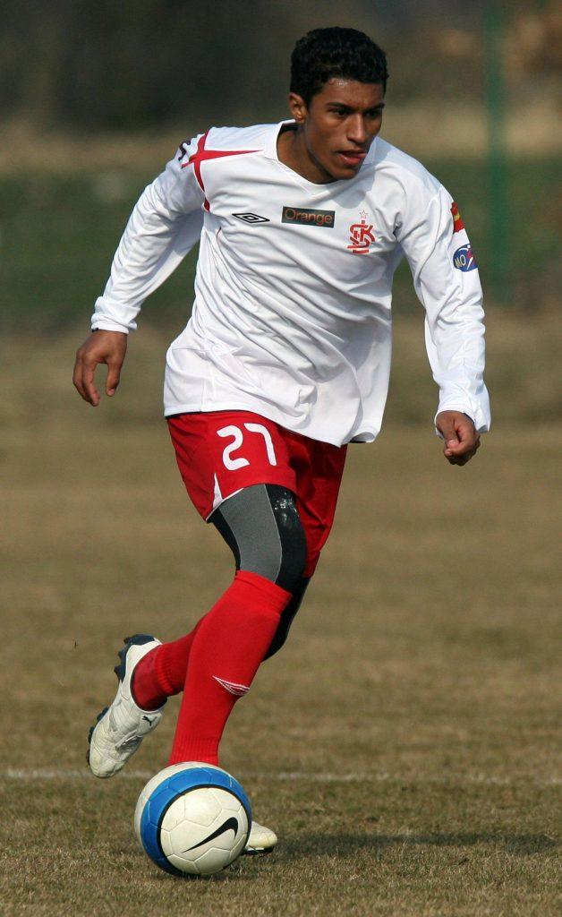 De 11 - Paulinho moest lang vechten voor zijn doorbraak. Zelfs in Polen en Litouwen.