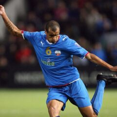 Rivaldo speelde in zowel Angola als in Oezbekistan