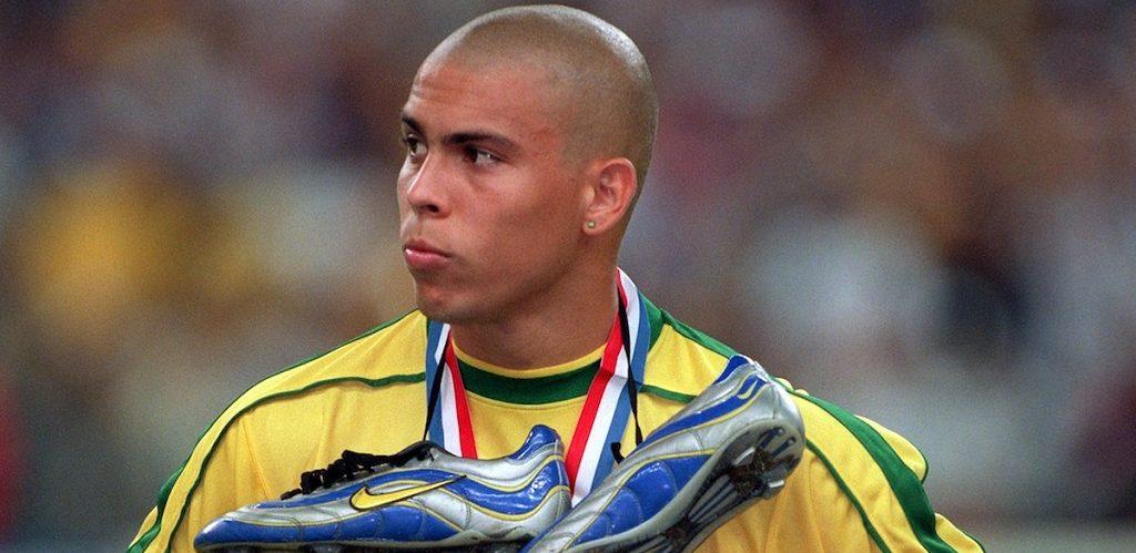 Ronaldo Lima met Mercurial R9