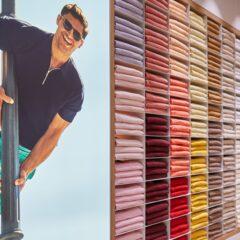 De kleurrijke kasten waaruit de medewerkers de favoriete items van de klant pakken