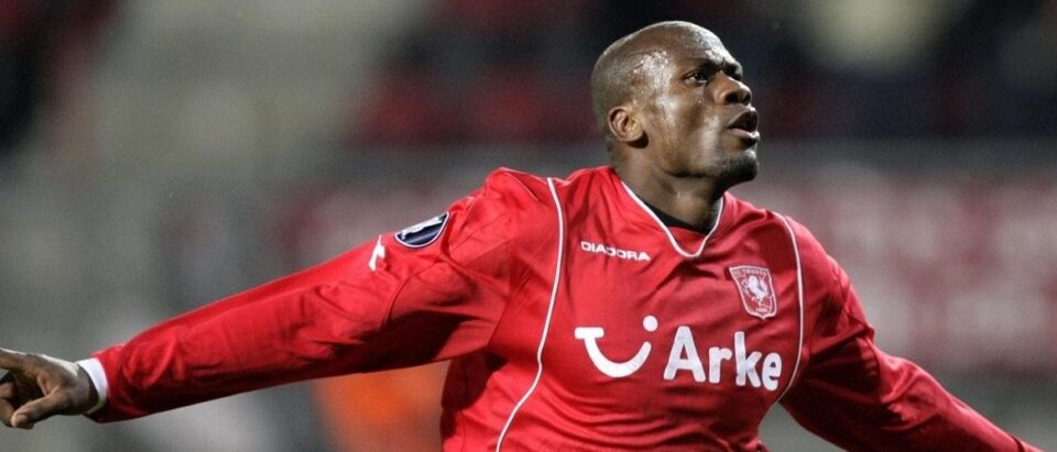 Blaise Nkufo kreeg als cultheld een standbeeld vanwege zijn verdiensten voor FC Twente